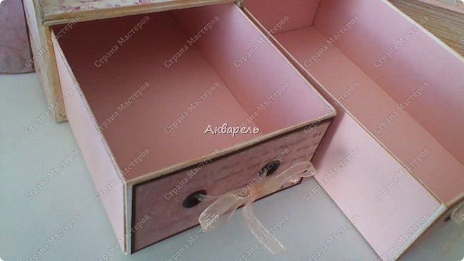 Органайзер номер два, был еще и третий чисто розовый, но не сфотографировала. Это для дочки. Сделала по ее желанию и вкусу. Мне кажется, удачное сочетание цвета и бумаги. Назвали его «балет». На изделие пошел картон пивной 1,5мм толщина, несколько листов скрапбумаги и бумага двусторонняя, клей. Клей использую UHU, хороший клей. фото 16