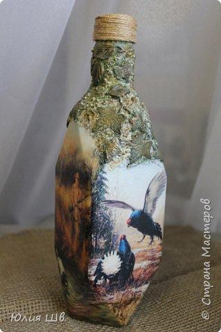 Доброго всем вечера. Бутылочка на заказ для охотника. Распечатки, подрисовка, листочки сверху бутылки из легкой массы Фимо, приклеивала на ПВА, затем тонировала красками. фото 4