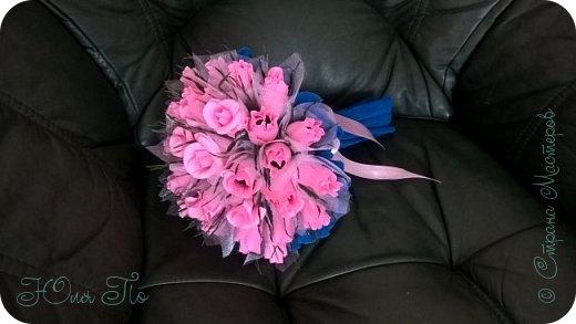 Букетик роз из конфет фото 2