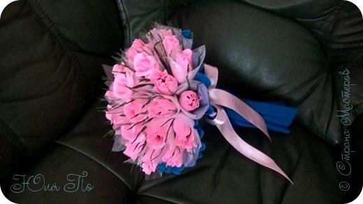 Букетик роз из конфет фото 3