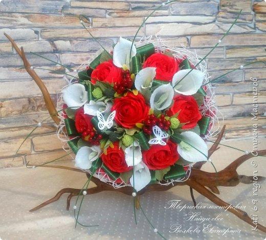 ручной букет с каллами и розами фото 1