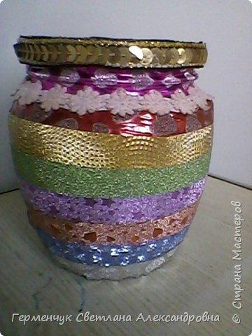 Карандашница  выполнена из стеклянной банки и декоративного скотча фото 5