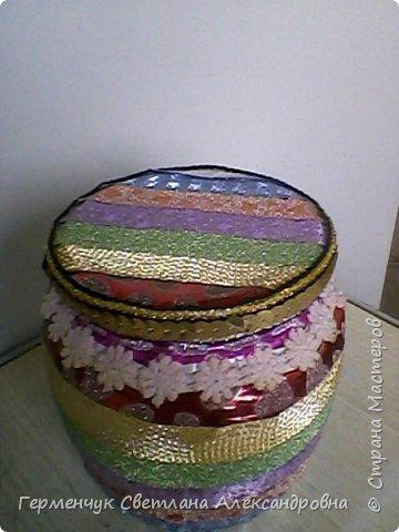 Карандашница  выполнена из стеклянной банки и декоративного скотча фото 6