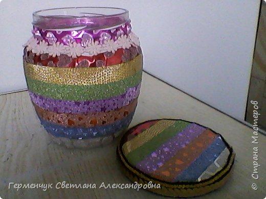 Карандашница  выполнена из стеклянной банки и декоративного скотча фото 7