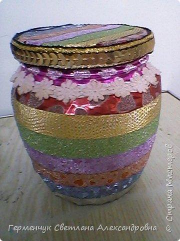 Карандашница  выполнена из стеклянной банки и декоративного скотча фото 10