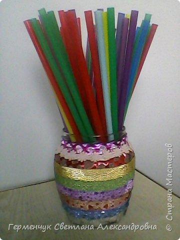 Карандашница  выполнена из стеклянной банки и декоративного скотча фото 1