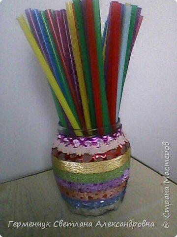 Карандашница  выполнена из стеклянной банки и декоративного скотча фото 9