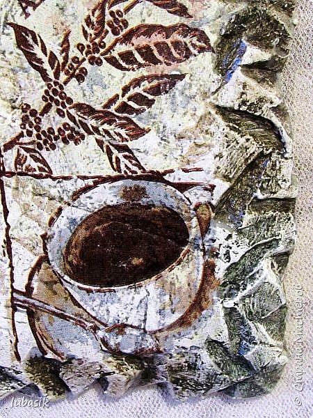 Здравствуйте, мои дорогие, мои любимые и невероятно талантливые соседи по Стране! Не отпускает меня пеноплекс, очень люблю с ним работать, это невероятно благодатный материал. В первую очередь хочу показать три панно. Думаю это будущие подарки для хороших людей. Имитация фрески на камне. Панно в технике имитации камня на пеноплексе впервые увидела в МК Галины Вакулы. Но работая с этим материалом стала вносить свои изменения. Здесь  http://stranamasterov.ru/node/1085443  можно посмотреть, как я готовлю поверхность пеноплекса для имитации фрески. Первое панно - с розами. У нас зима, а очень уже хочется тепла и цветов. фото 14