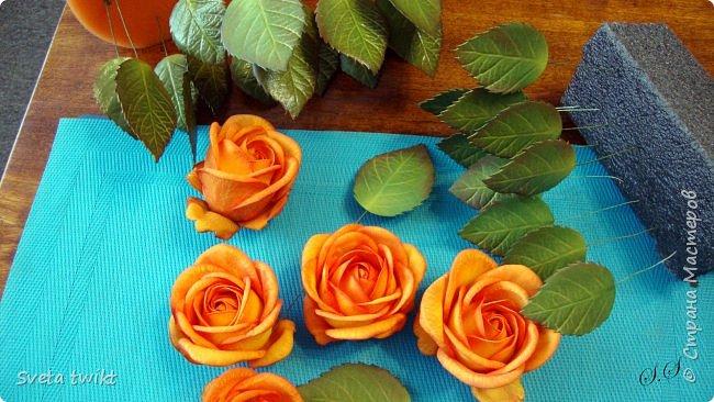 Давно я не была в стране и ничего не выкладывала И вот решила показать вам свой букет роз.Самой очень нравятся розочки.Фотографий будет много и без комментариев.Просто посмотрите.Приятного просмотра. фото 18