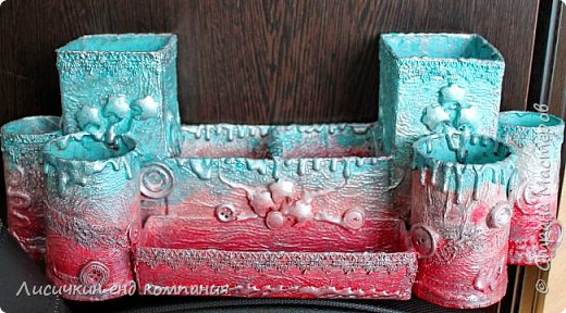 органайзер из различных коробочек и картонных рулончиков для любимой доченьки