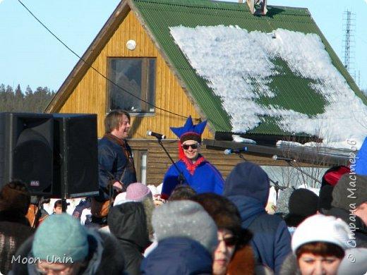 Всем привет! Я сегодня хочу вам показать Праздник Севера, который прошел в конце апреля в мурманском селе Ловозеро. Может будет немного и не по сезону, но это у вас весна, а у нас, в Мурманской области зима не уступила еще и пяди земли)) Надеюсь, вам будет интересно) фото 6