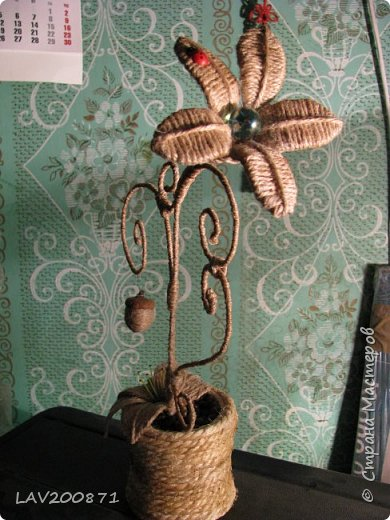 проволока, джут. кофе, клей. большие пуговицы для подставки под свечечки и разный декор.... фото 1