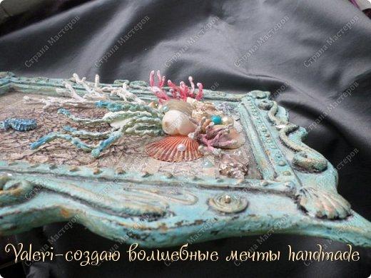 """Дорогие ДРУЗЬЯ, всем Вам доброго времени!!!  Давно я мечтала создать состаренную картину в морском стиле и наконец то мои ручки """"дошли"""" до этого процесса:)) Для работы понадобились кораллы определённых цветов, а в наличии было только несколько маленьких веточек совершенно не подходящего цвета и вида... Тут вспомнила, что где то в интернете встречала кораллы вроде как из цветного термо-клея, искать не стала, просто воспользовалась оригинальной идеей, которой с радостью поделюсь с Вами! Кстати, картина сделана полностью с нуля и рама тоже)) фото 20"""
