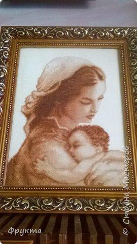 Эту милую даму зовут пани София Ковальчик. Она также проживает в городе Новый Роздол Львовской области. Все свои 70 с небольшим лет вышивает крестиком потрясающей красоты картины. В библиотеке Нового Роздола состоялась выставка её работ - весной 2017 года. И я снова не застала эту выставку! Обидно! фото 5