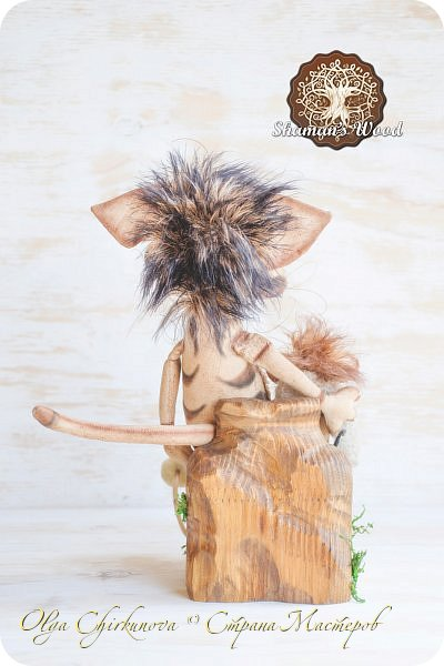 Кот Камышкинс и мышонок Грибочкинс живут в лесу Шамана на Вересковых полях. Они братья, самые настоящие! Однажды мышонка подбросили к дому доброй тетушки Кошки Ниннат и она вырастила прекрасного мыша! Камышкинс занимаемся волшебным Камышовым садом, а Грибочкинс изучает грибы своего леса. фото 7