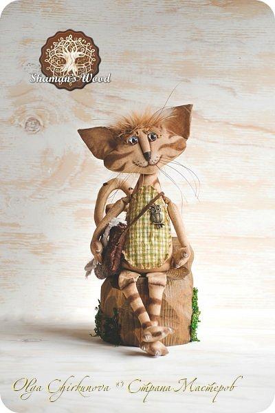 Кот Камышкинс и мышонок Грибочкинс живут в лесу Шамана на Вересковых полях. Они братья, самые настоящие! Однажды мышонка подбросили к дому доброй тетушки Кошки Ниннат и она вырастила прекрасного мыша! Камышкинс занимаемся волшебным Камышовым садом, а Грибочкинс изучает грибы своего леса. фото 10