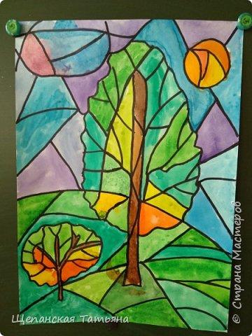 Рисовали мои четвероклассники: сначала акварелью, а потом обводили контур черным маркером. фото 3
