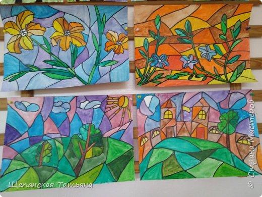 Рисовали мои четвероклассники: сначала акварелью, а потом обводили контур черным маркером. фото 2