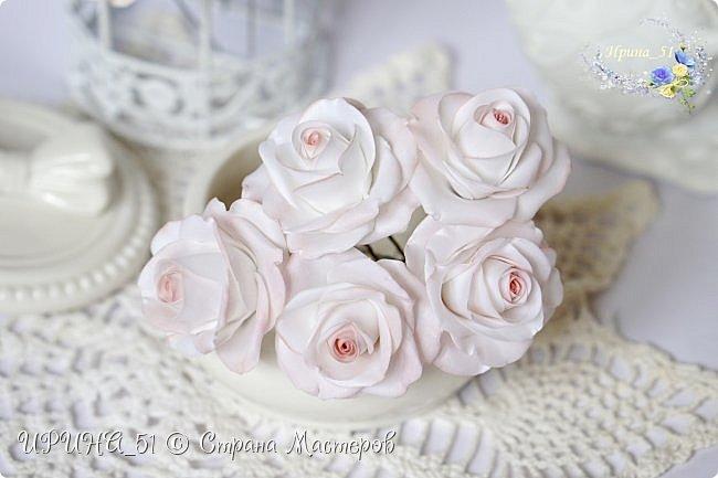 Здравствуйте!  Я как всегда  с фоамирановыми цветами!  Приглашаю к просмотру.  Букет из 15 полноразмерных роз.  фото 11
