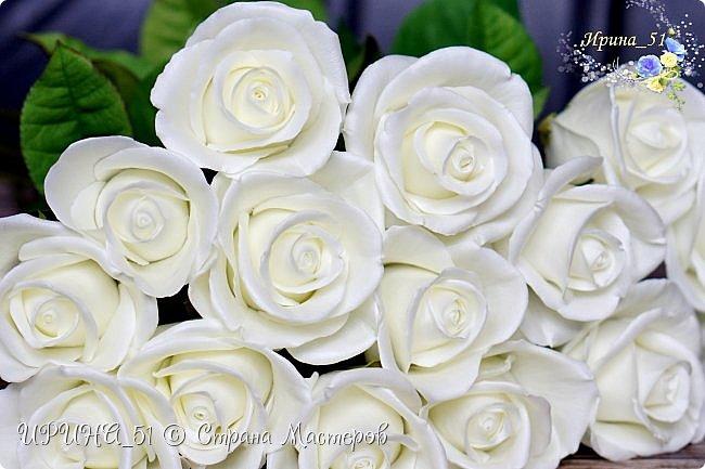 Здравствуйте!  Я как всегда  с фоамирановыми цветами!  Приглашаю к просмотру.  Букет из 15 полноразмерных роз.  фото 5