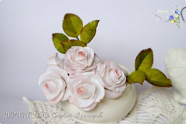 Здравствуйте!  Я как всегда  с фоамирановыми цветами!  Приглашаю к просмотру.  Букет из 15 полноразмерных роз.  фото 13