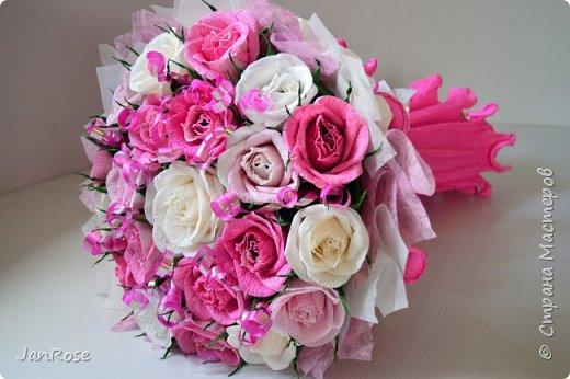 "И снова Здравствуйте!)) Представляю еще один букет на День Рождение для девушки. В букете 21 роза с конфетами ""Марсианка-микс""  фото 1"
