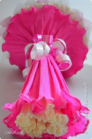 "И снова Здравствуйте!)) Представляю еще один букет на День Рождение для девушки. В букете 21 роза с конфетами ""Марсианка-микс""  фото 4"