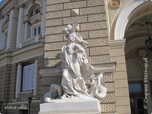 Доброго времени суток, Мастера и Мастерицы! Вы когда-нибудь бывали в Одессе?  Мне посчастливилось побывать в этом прекрасном городе, где каждый камень дышит историей. Хочу с вами поделиться впечатлениями об этом городе. фото 22
