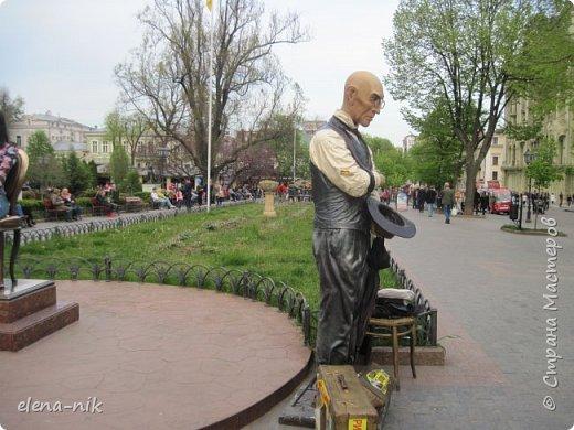 Доброго времени суток, Мастера и Мастерицы! Вы когда-нибудь бывали в Одессе?  Мне посчастливилось побывать в этом прекрасном городе, где каждый камень дышит историей. Хочу с вами поделиться впечатлениями об этом городе. фото 72