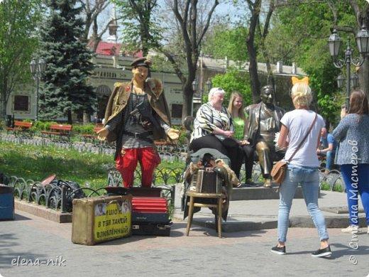 Доброго времени суток, Мастера и Мастерицы! Вы когда-нибудь бывали в Одессе?  Мне посчастливилось побывать в этом прекрасном городе, где каждый камень дышит историей. Хочу с вами поделиться впечатлениями об этом городе. фото 73