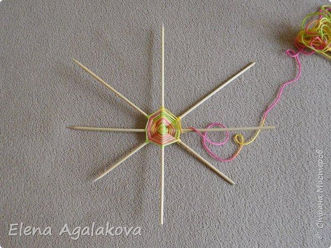Выкладываю сегодня МК по плетению Кленового листа - мандалы. Это полностью моя находка. Просто захотелось сплести кленовый лист и пошел творческий процесс и импровизация, в результате появился такой кленовый листик. фото 2