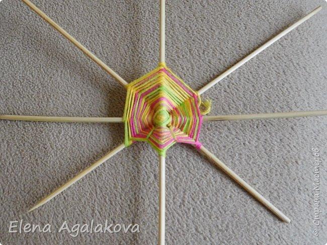 Выкладываю сегодня МК по плетению Кленового листа - мандалы. Это полностью моя находка. Просто захотелось сплести кленовый лист и пошел творческий процесс и импровизация, в результате появился такой кленовый листик. фото 3