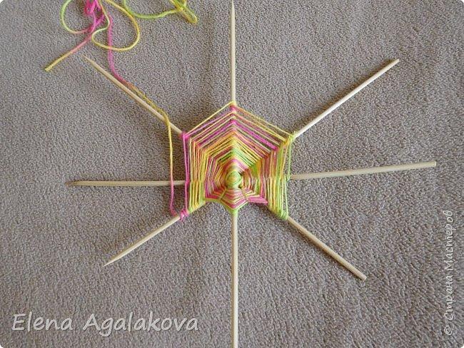Выкладываю сегодня МК по плетению Кленового листа - мандалы. Это полностью моя находка. Просто захотелось сплести кленовый лист и пошел творческий процесс и импровизация, в результате появился такой кленовый листик. фото 4
