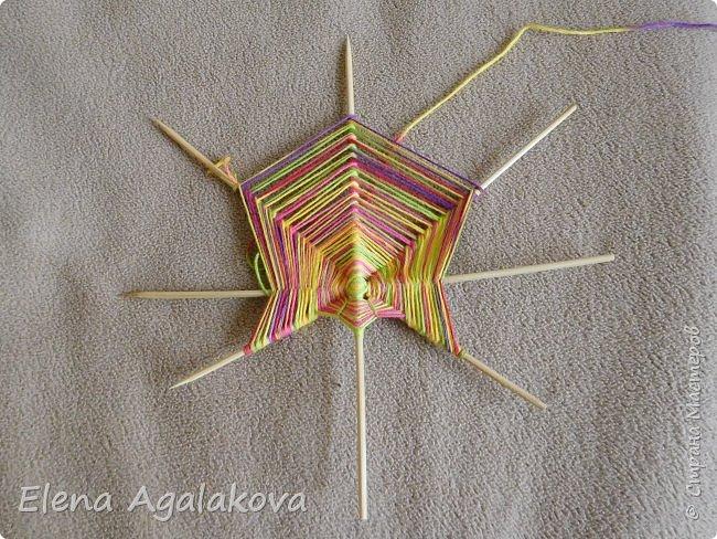 Выкладываю сегодня МК по плетению Кленового листа - мандалы. Это полностью моя находка. Просто захотелось сплести кленовый лист и пошел творческий процесс и импровизация, в результате появился такой кленовый листик. фото 5