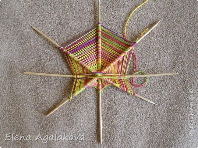 Выкладываю сегодня МК по плетению Кленового листа - мандалы. Это полностью моя находка. Просто захотелось сплести кленовый лист и пошел творческий процесс и импровизация, в результате появился такой кленовый листик. фото 6