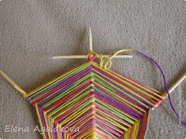 Выкладываю сегодня МК по плетению Кленового листа - мандалы. Это полностью моя находка. Просто захотелось сплести кленовый лист и пошел творческий процесс и импровизация, в результате появился такой кленовый листик. фото 8
