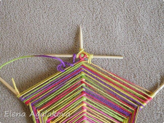 Выкладываю сегодня МК по плетению Кленового листа - мандалы. Это полностью моя находка. Просто захотелось сплести кленовый лист и пошел творческий процесс и импровизация, в результате появился такой кленовый листик. фото 10