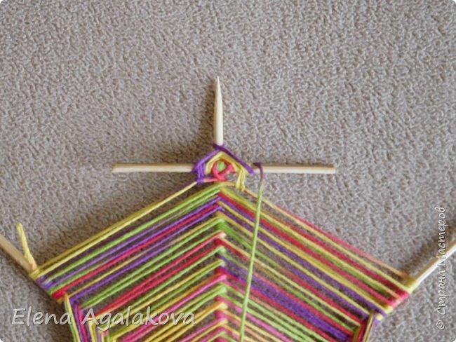 Выкладываю сегодня МК по плетению Кленового листа - мандалы. Это полностью моя находка. Просто захотелось сплести кленовый лист и пошел творческий процесс и импровизация, в результате появился такой кленовый листик. фото 11