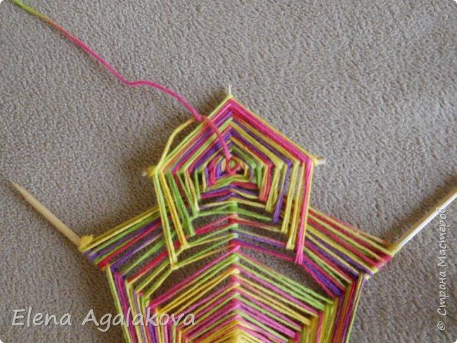 Выкладываю сегодня МК по плетению Кленового листа - мандалы. Это полностью моя находка. Просто захотелось сплести кленовый лист и пошел творческий процесс и импровизация, в результате появился такой кленовый листик. фото 12