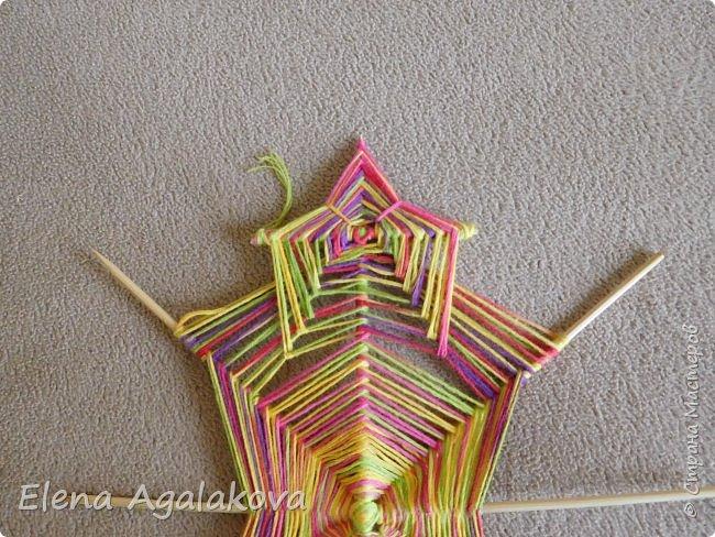 Выкладываю сегодня МК по плетению Кленового листа - мандалы. Это полностью моя находка. Просто захотелось сплести кленовый лист и пошел творческий процесс и импровизация, в результате появился такой кленовый листик. фото 13