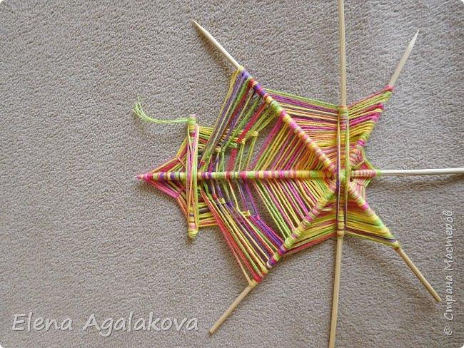 Выкладываю сегодня МК по плетению Кленового листа - мандалы. Это полностью моя находка. Просто захотелось сплести кленовый лист и пошел творческий процесс и импровизация, в результате появился такой кленовый листик. фото 14