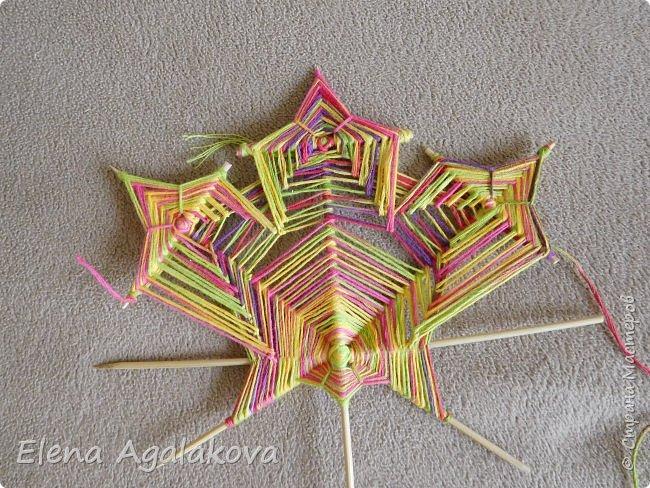Выкладываю сегодня МК по плетению Кленового листа - мандалы. Это полностью моя находка. Просто захотелось сплести кленовый лист и пошел творческий процесс и импровизация, в результате появился такой кленовый листик. фото 17