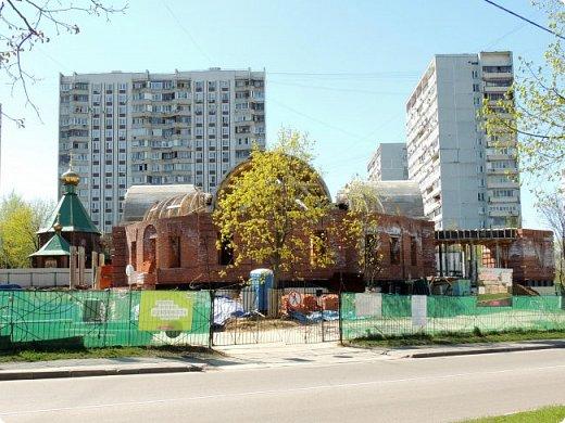 Церковь Троицы Живоначальной в Чертанове (новая) фото 2