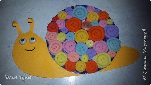 Улиточка.На диске только 2 настоящие пуговицы, остальные из окрашеного соленого теста. фото 1