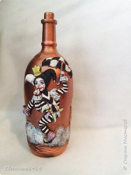 Приветствую всех!Бутылка покрашена черной краской,потом медной,лицо из хол . фар.Картинка взята из инета фото 5
