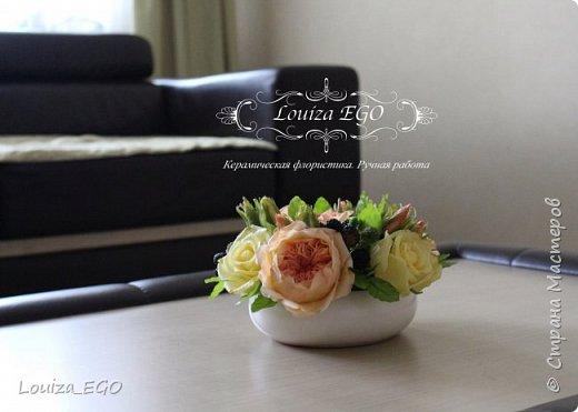 Цветы вылеплены из холодного фарфора и тонированы вручную масляными красками. фото 3