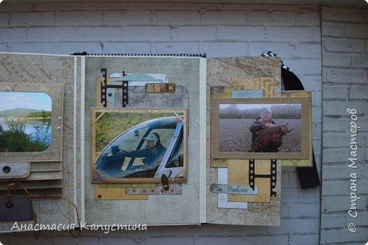 Альбом для папы на 55-летие. Вмещает 70 фото размеров 8*10. Размер страниц 21*14,5, обложки - 21,5*15 фото 16