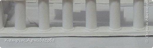 Немного не удалось мне довести дело до конца, но в целом к празднованию дня рождения сына каминчик был готов))  Были использованы следующие материалы:  - картон - клей пистолет, клей ПВА - коробки от телевизоров, утюгов, и любой подходящий картон - краска  - втулки от пищевой пленки, от линолеума - бумага - сендвич-панель - плинтус декоративный и потолочный - обои - самоклеящаяся пленка фото 13
