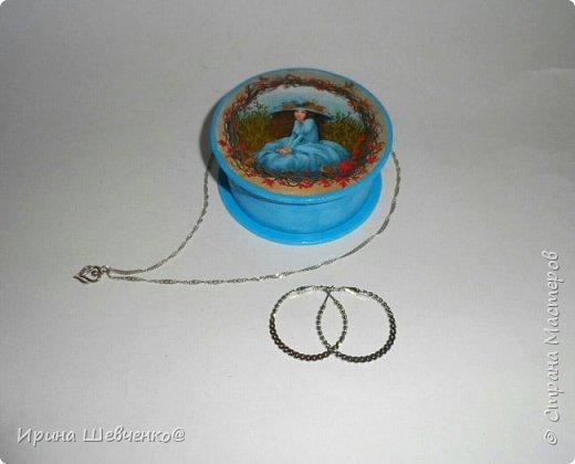 Шкатулки из туб от скотча или можно использовать многослойное папье-маше, декупаж из распечатки на офисной бумаге, краски, лак. фото 5