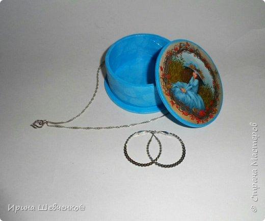 Шкатулки из туб от скотча или можно использовать многослойное папье-маше, декупаж из распечатки на офисной бумаге, краски, лак. фото 7